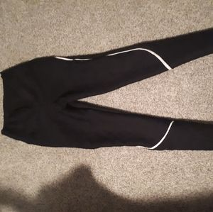 Black textured scrunched booty leggings